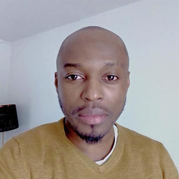 Martin Oyono.